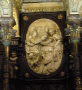 Virgin M crowning a saint in ivory - Toledo