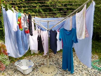 Solar clothes dryer